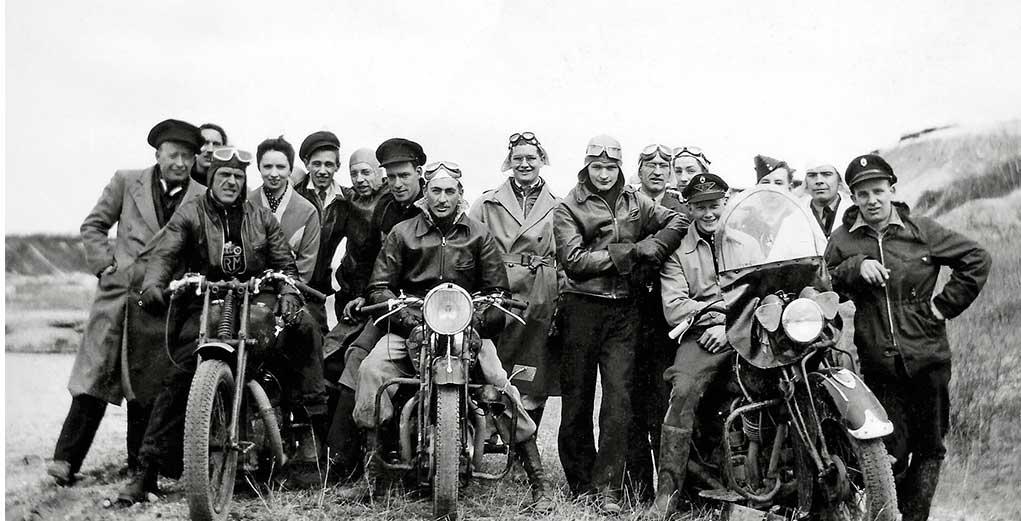 moto club ecuador, motoclub quito motogrupo moto grupo, ropa para moto, ropa para motocilistas, ropa segura, ridesafe77 RS77