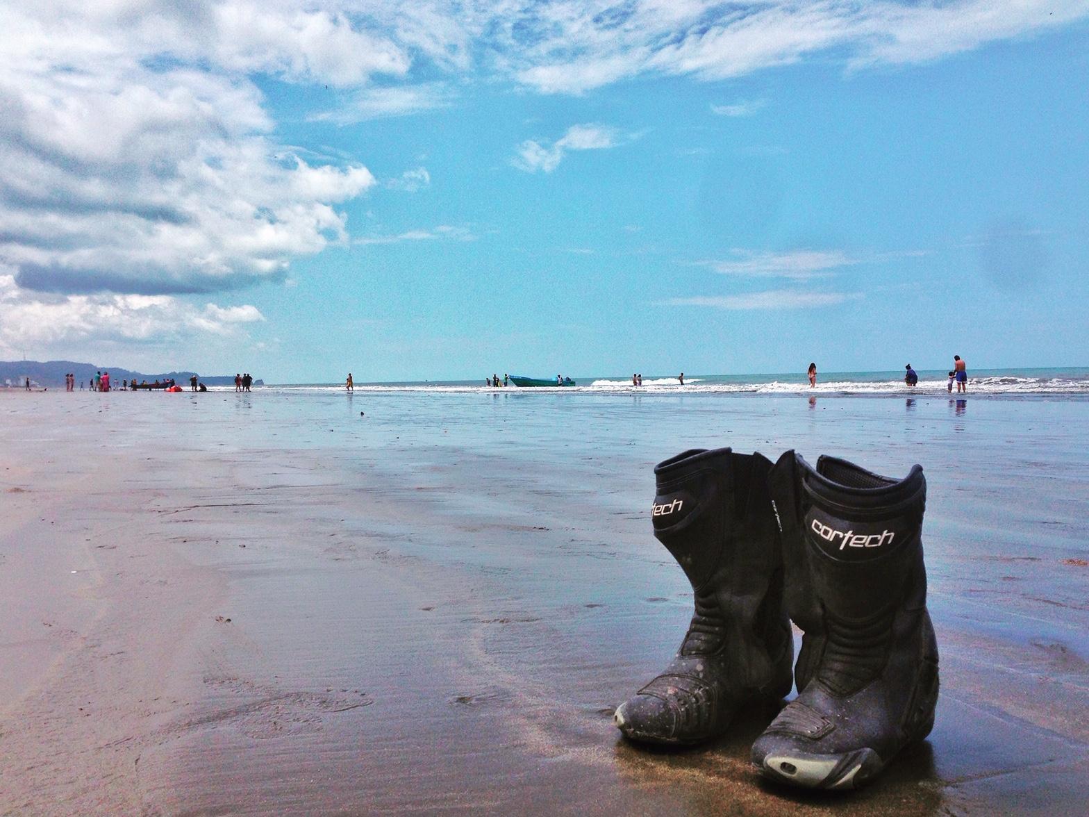 Ir a la playa en moto rs77 ropa motociclistas