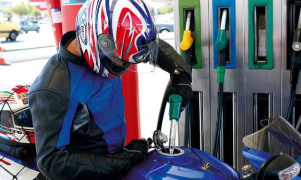 ¿Cuánto nos va a costar el incremento del combustible a quienes manejamos moto?