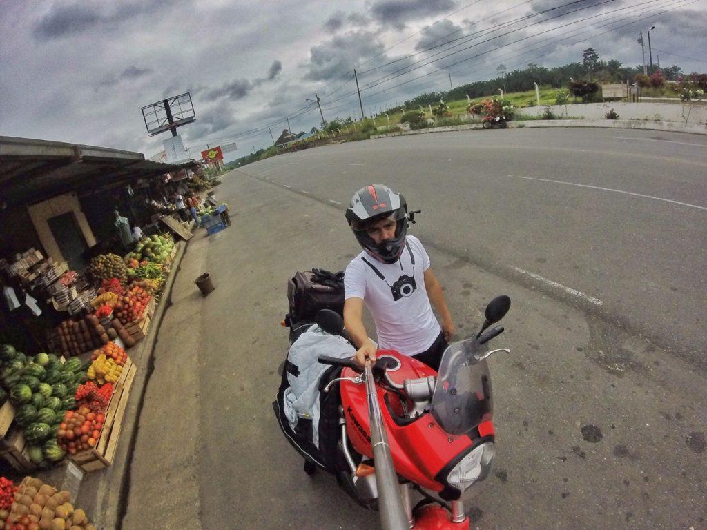 ropa de moto, recorrer ecuador en moto caso moto ecuador, chompa de moto