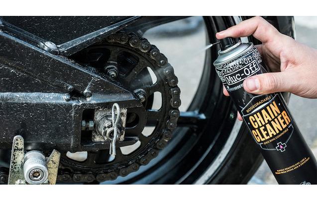 ¿El aceite de motor es buen lubricante para la cadena?