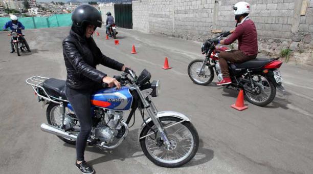 motos quito hoy no circula